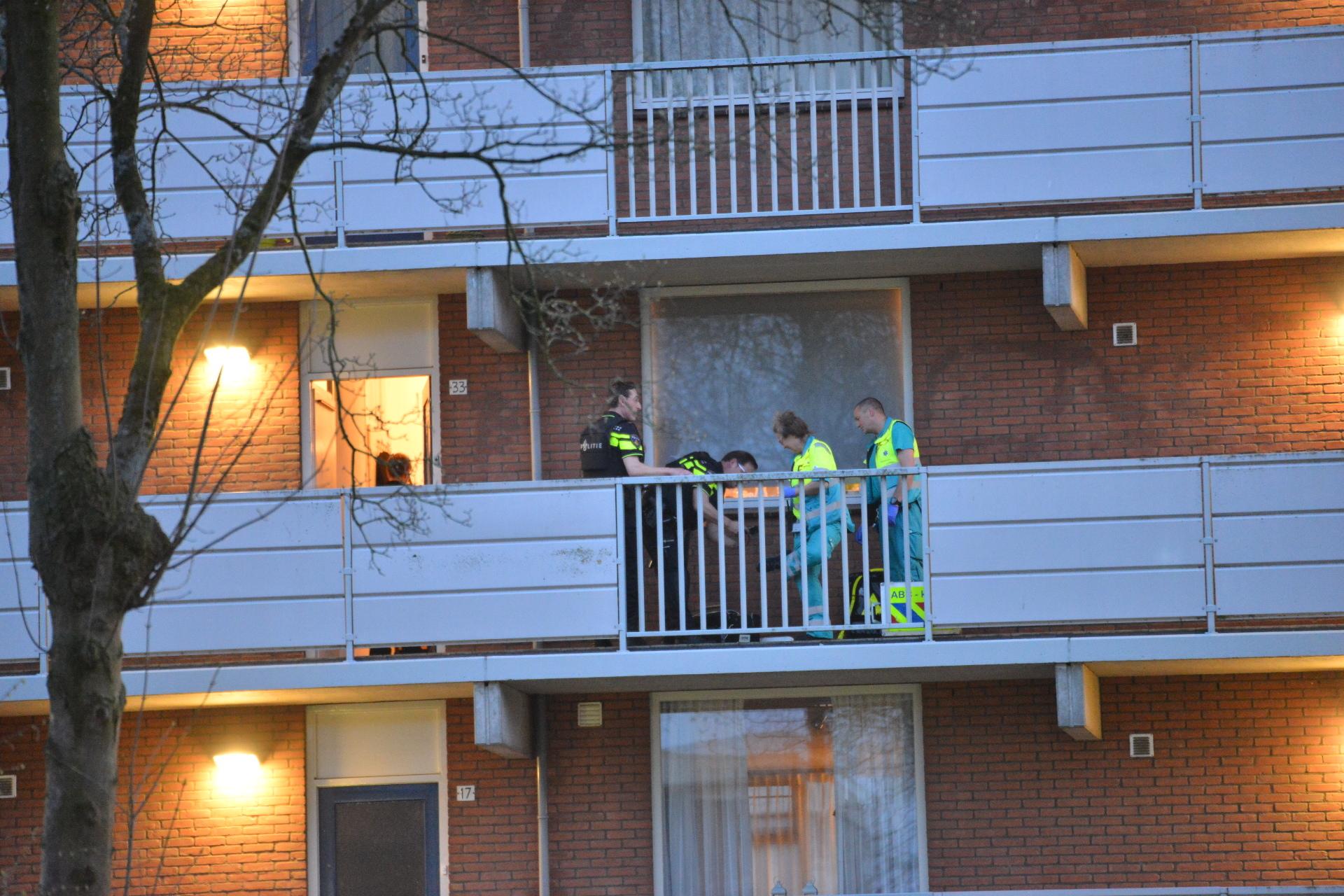 Bij een schietincident in de Sandenburgstraat is zondagavond een persoon overleden.