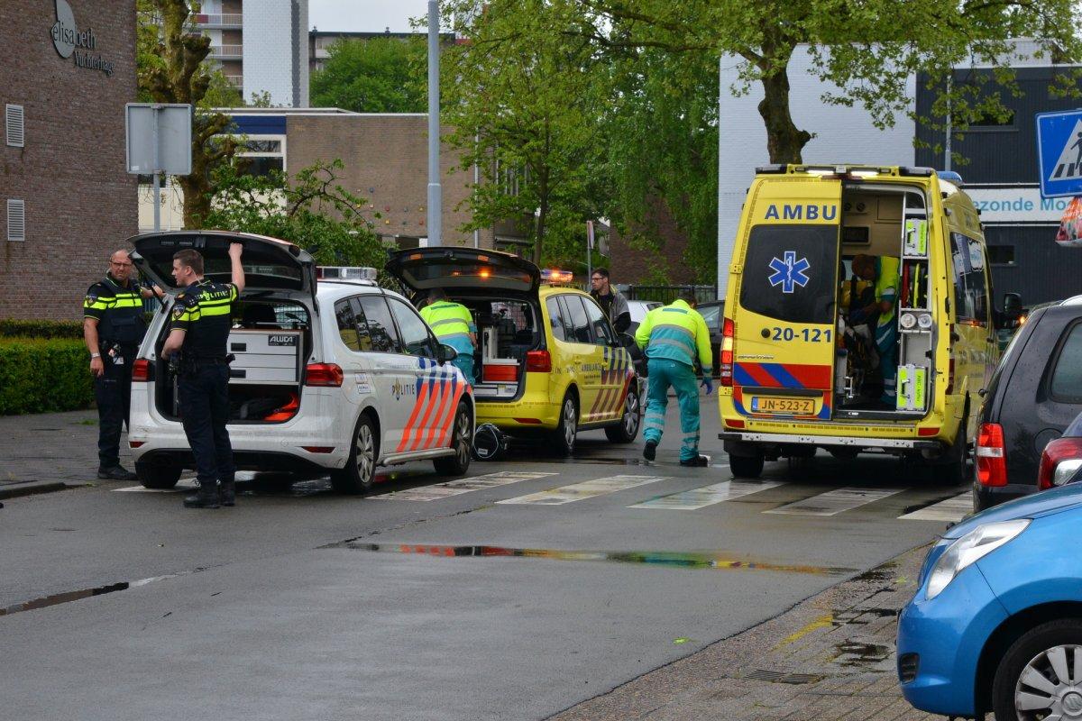 Persoon in Roeselarestraat om onbekende reden overgebracht naar ziekenhuis