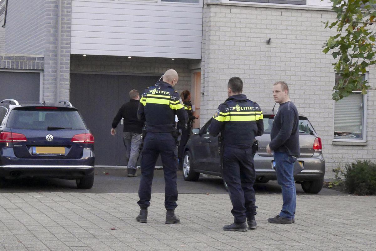 In de Haagse Beemden is vrijdag 's middags en in het begin van de avond op verschillende plaatsen gezocht naar een hennepplantage.