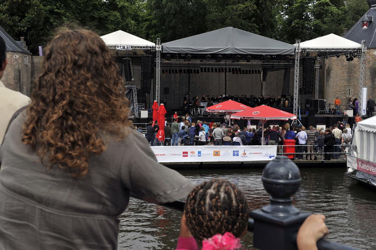 De opening van het Spanjaardsgatfestival op zondag 22 mei 2011. foto Janet Olde Wolbers