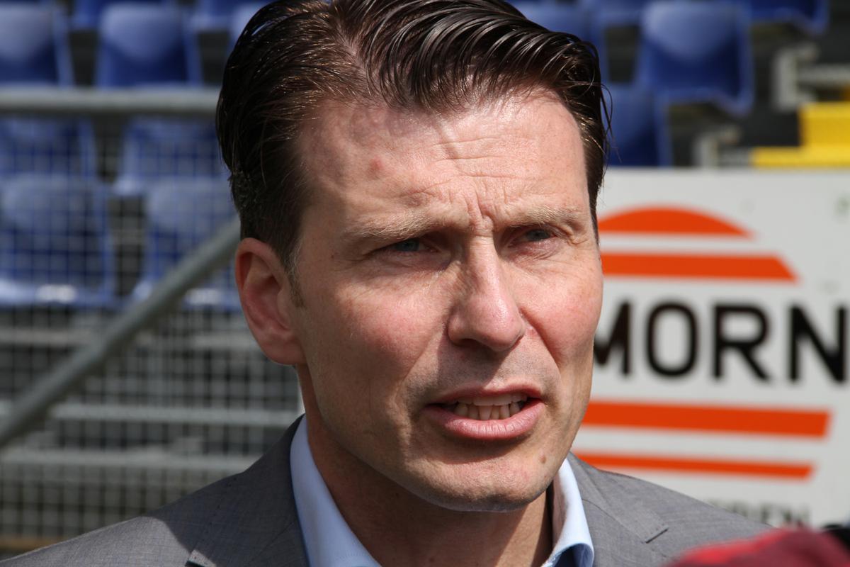 Het NAC-stadion wordt onder grote belangstelling aan een stresstest onderworpen.