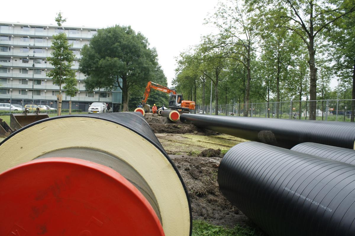 Vervanging van de warmteleidingen in de wijk Biesdonk. foto Wijnand Nijs