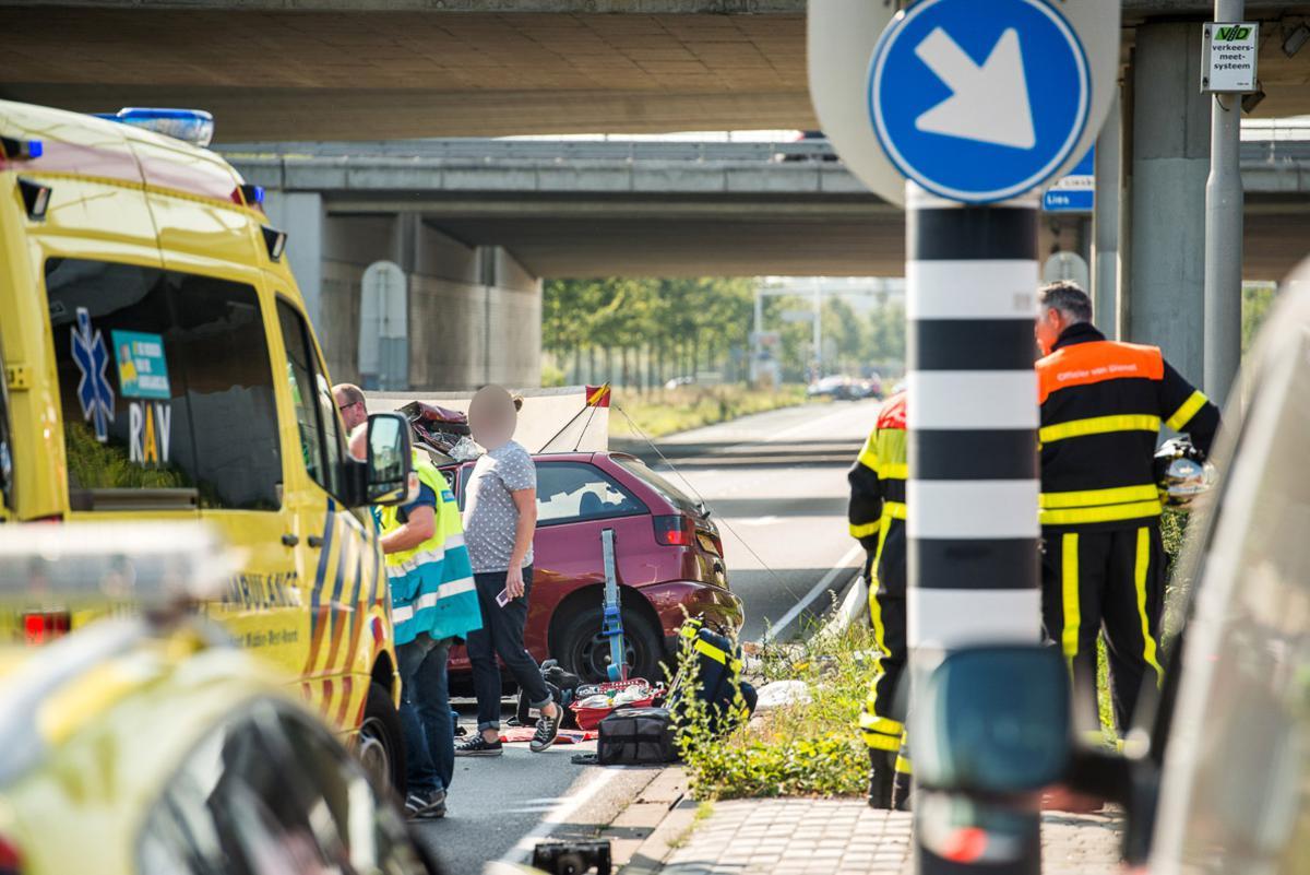 Bij een ongeval op de Ettensebaan raakte een vrouw zwaargewond.