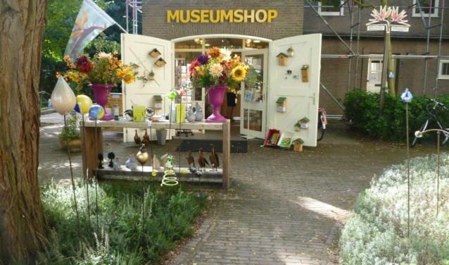 Botanische Tuin Delft : Winterse sfeer in de cadeaus shop botanische tuin tu delft delft
