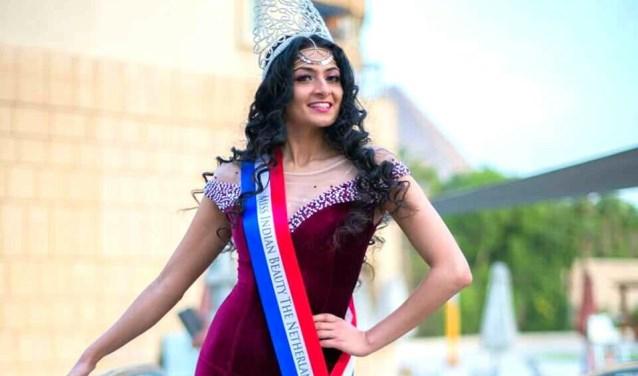 Soesoe reisde in haar rol van Miss Indian Beauty Netherlands 2015 onder meer naar Egypte. (foto: Amr Tarek)