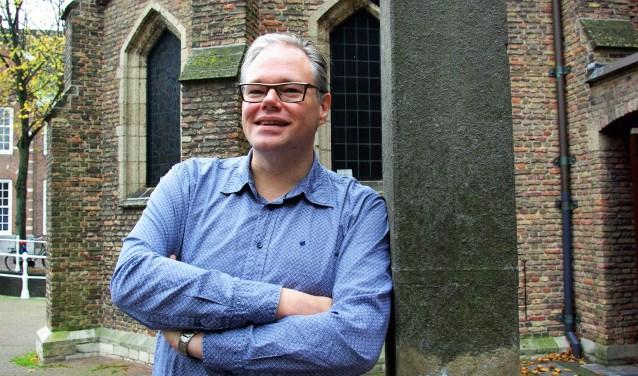 Het kan geen kwaad om met elkaar in gesprek te gaan over de vraag hoe we met elkaar omgaan, vindt dominee Arnold Vroomans. Dat gaat woensdag 15 november in de Nieuwe Kerk dan ook gebeuren.