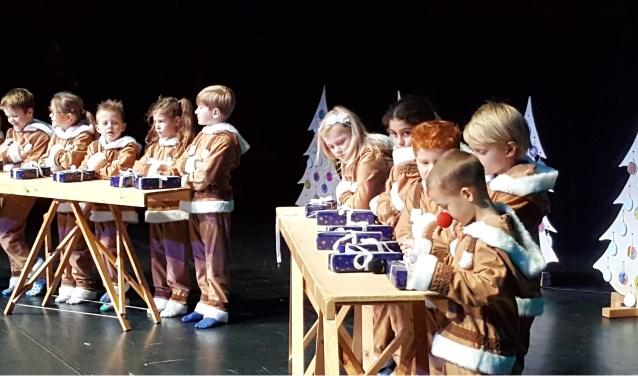 Alle kinderen van de school hebben een rol en doen enthousiast mee. (Foto: PR)