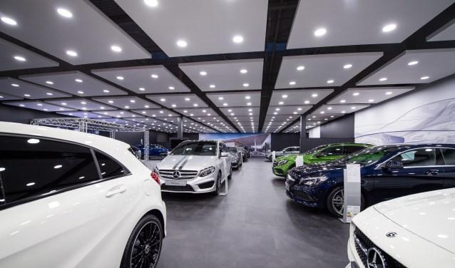 Showroom Mercedes Benz Dealer Bedrijven Wegens Metamorfose Naar