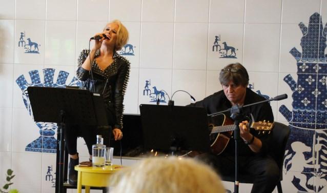 Vorige week traden Angie White en Joel Elenblaas op tijdens de Acoustic Sessions.