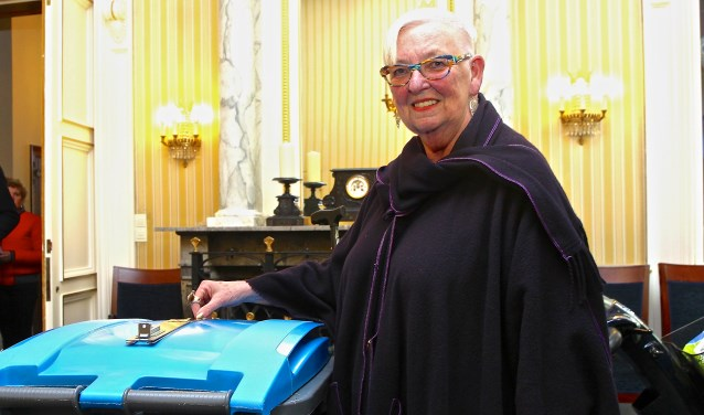 Ina Groot, één van de 60.903 Delftenaren die woensdag stemde. Het opkomstpercentage in Delft lag op 82,3 procent. Dat was 2 procent hoger dan de rest van het land. (foto: Koos Bommelé)