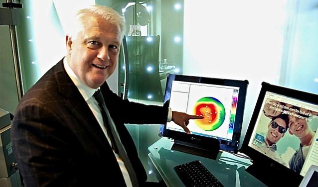 Mario Pico, contactlenzenspecialist bij Van der Leeuw Optiek.
