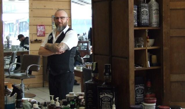 De naam 'barbier' is gewoon de geuzennaam van een goede herenkapper, vindt Evert Klok. (Foto: EvE)