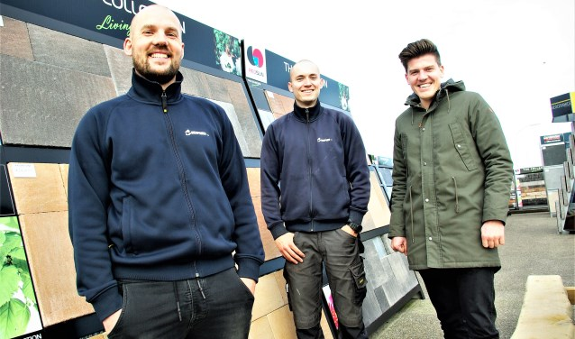 De medewerkers helpen graag met deskundig advies. Van links naar rechts Wesley Pieterse, Jasper Bazuin en Jelle Koop.