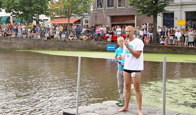 """""""Ik ben er op 27 augustus weer bij"""", meldde Olympisch- en wereldkampioen open water zwemmen Maarten van der Weijden (hier op archiefbeeld) deze week aan Delft op Zondag. Hij zal een eigen team vormen, onder meer met leden van het team met de meeste sponsorgelden."""