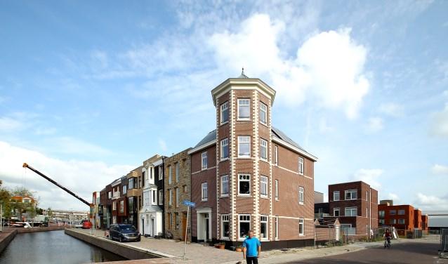 De Coendersbuurt is één van de nieuwste buurten van Delft. De bouw van nieuwe woningen houdt voorlopig nog niet op. Hondenbezitters kunnen ondertussen opgelucht ademhalen. (foto: Koos Bommelé)