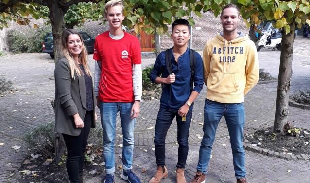 Marissa, Teun, Jasper en Gertjan zijn klaar voor de reis naar Ghana