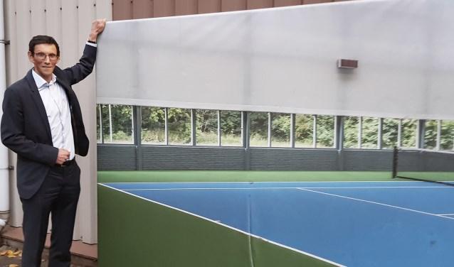 Jeroen de Kort, in zijn element bij tennisvereniging De Delftse Hout