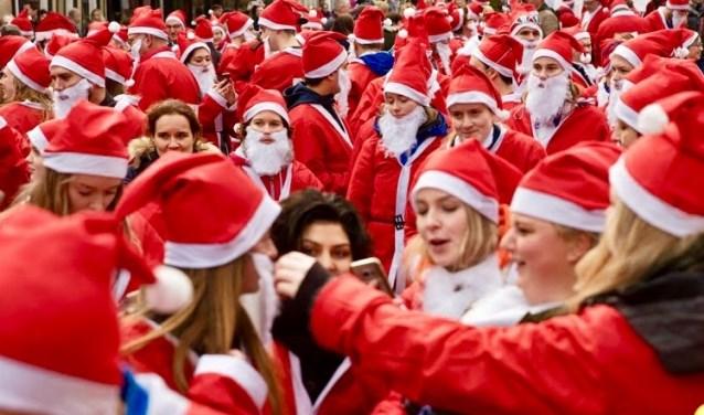 Nog twee weken en dan barst het Santa Run spektakel los! (Foto: Henk Houtzager)