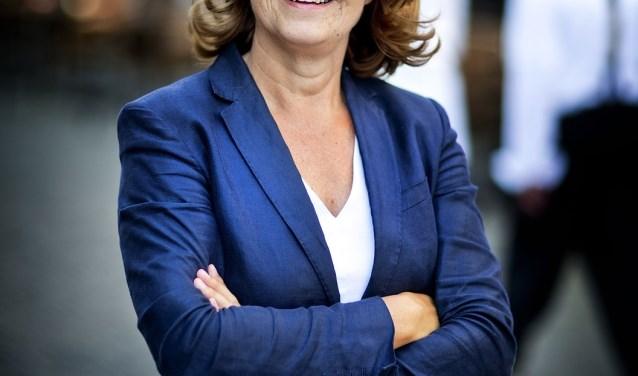De gekroonde Koningin van vorig jaar, burgemeester Marja van Bijsterveldt (Foto: Guus Schoonewille)