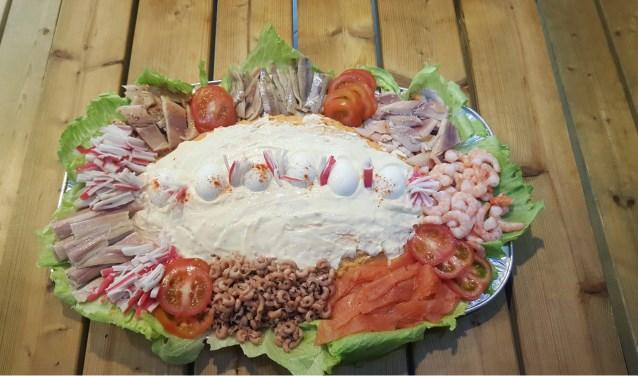 Een heerlijke salade. Ook te verkrijgen bij Visboetiek De Waterman.