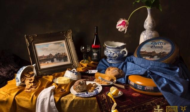 Een stilleven met een keur aan mooie Delftse producten (Foto: Fleur Halkema)