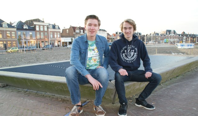 Kjelwyn en Bryan promoten hun Bry.Tic future house dancehit Trampoline, Vital Release. (foto: ML)