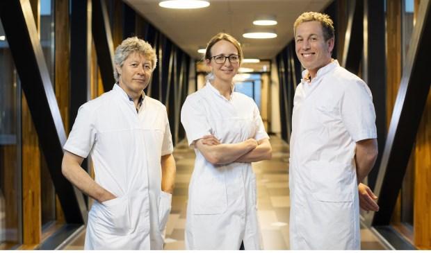 De specialisten van het multidisciplinair centrum prostaatkankerzorg in het Reinier de Graaf Gasthuis in Delft.