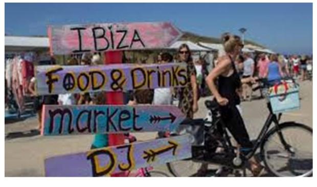 Was de markt eerder in Ibiza style, nu is er een Grieks sfeertje...