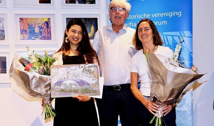 v.l.n.r. Winnares en industrieel ontwerpster Claudia Latorre, nachtburgemeester Leo Quack en kunstenares Nan Deardorff-McClain