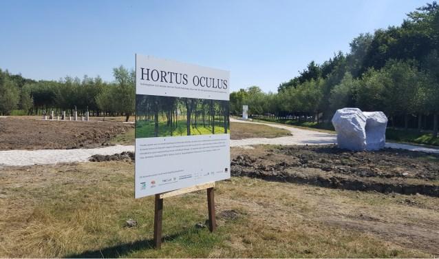 De Hortus Oculus, de belevingstuin met aanraakbare kunst, in aanbouw