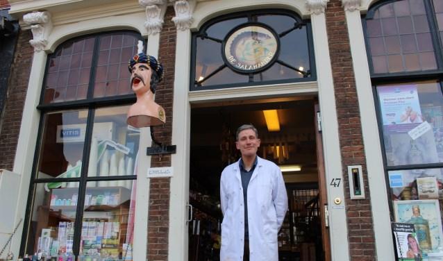 Robert Vlugt neemt alle tijd voor zijn klanten. (Foto: EvE)