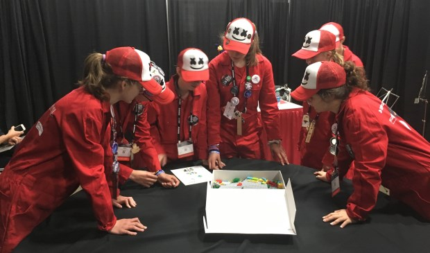 Het Delfts/Haagse Lego Robot Team MarsMellows: winnaar van de 1e prijs in Detroit!
