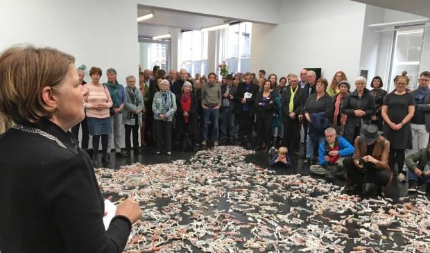 De nieuwe expositieruimte in de Papenstraat, 38CC, werd officieel geopend door burgemeester Marja van Bijsterveldt