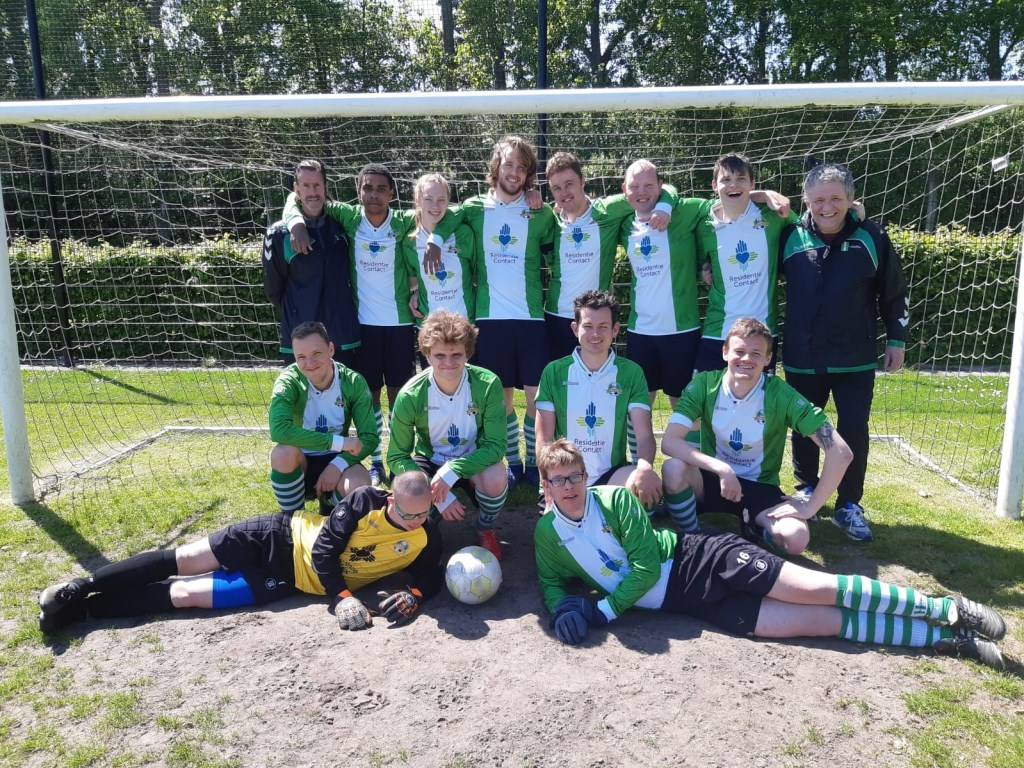 Nog meer finalisten, de G2 van DVV Delft in vol ornaat!  © RODI Media-zh