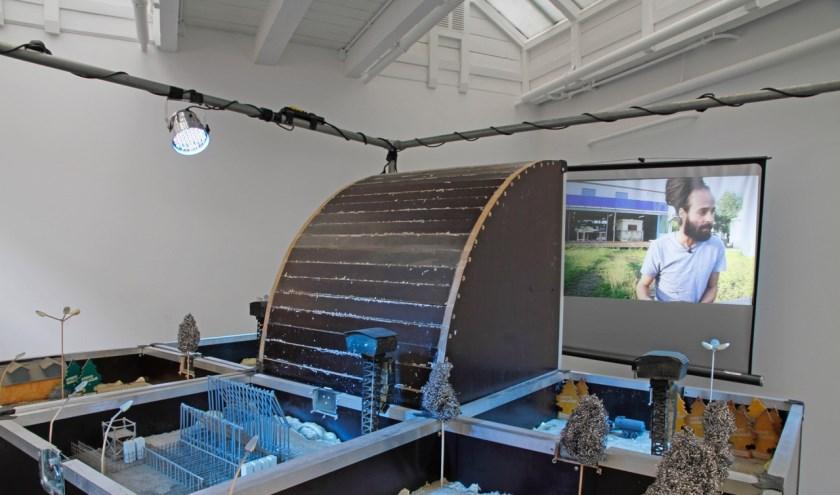 7 square metres, video-installatie, Karl Phillips.