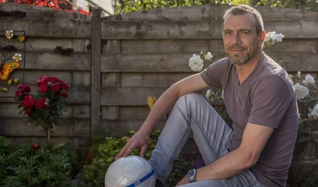 Jeroen Weeber maakte ruim twintig jaar deel uit van de SEP-selectie en traint nu nog elke vrijdagavond met zijn vrienden. (foto: Roel van Dorsten)