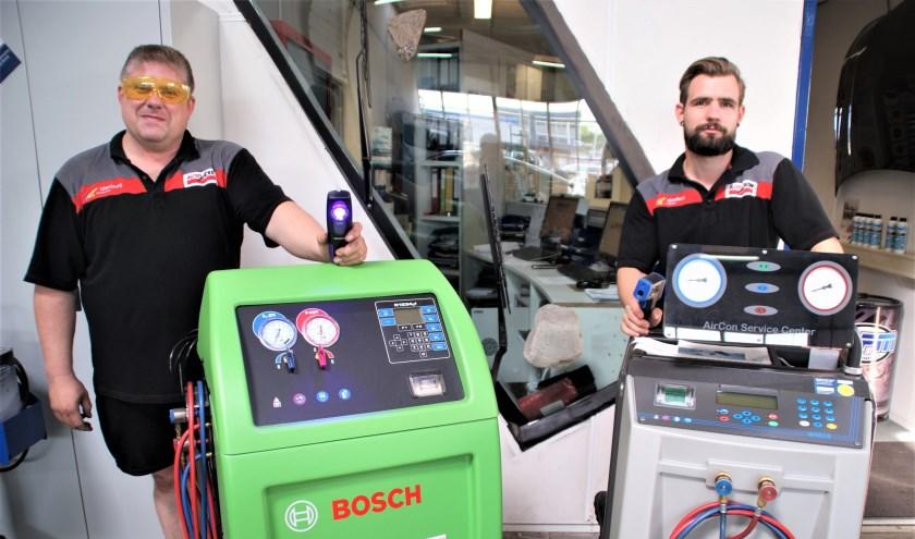 """De aircospecialisten Ron en Colin van Idenburg Car Solutions: """"Heerlijk gekoeld de zomer in."""""""