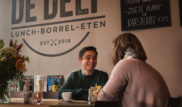 Heerlijk samen genieten van lunch, borrel of diner bij De Delf aan de Oude Delft 113