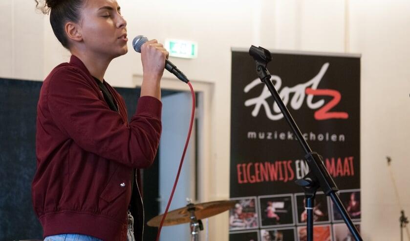 """""""Muzikale talenten op het podium bij Rootz Muziekschool"""" (foto: Liesbeth Bergen)"""