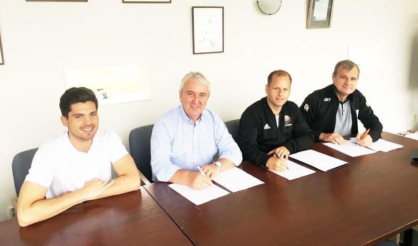 V.l.n.r. Teun Bakker (Robey) voorzitter Pieter Kunz, Victor Wijtman (Sport 2000) en Marcel Koshoorn (Concordia): blij met de samenwerking