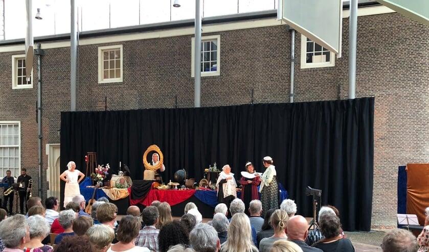 Een kenmerkende scène uit de voorstelling RIJK. (foto Ton Spruit)