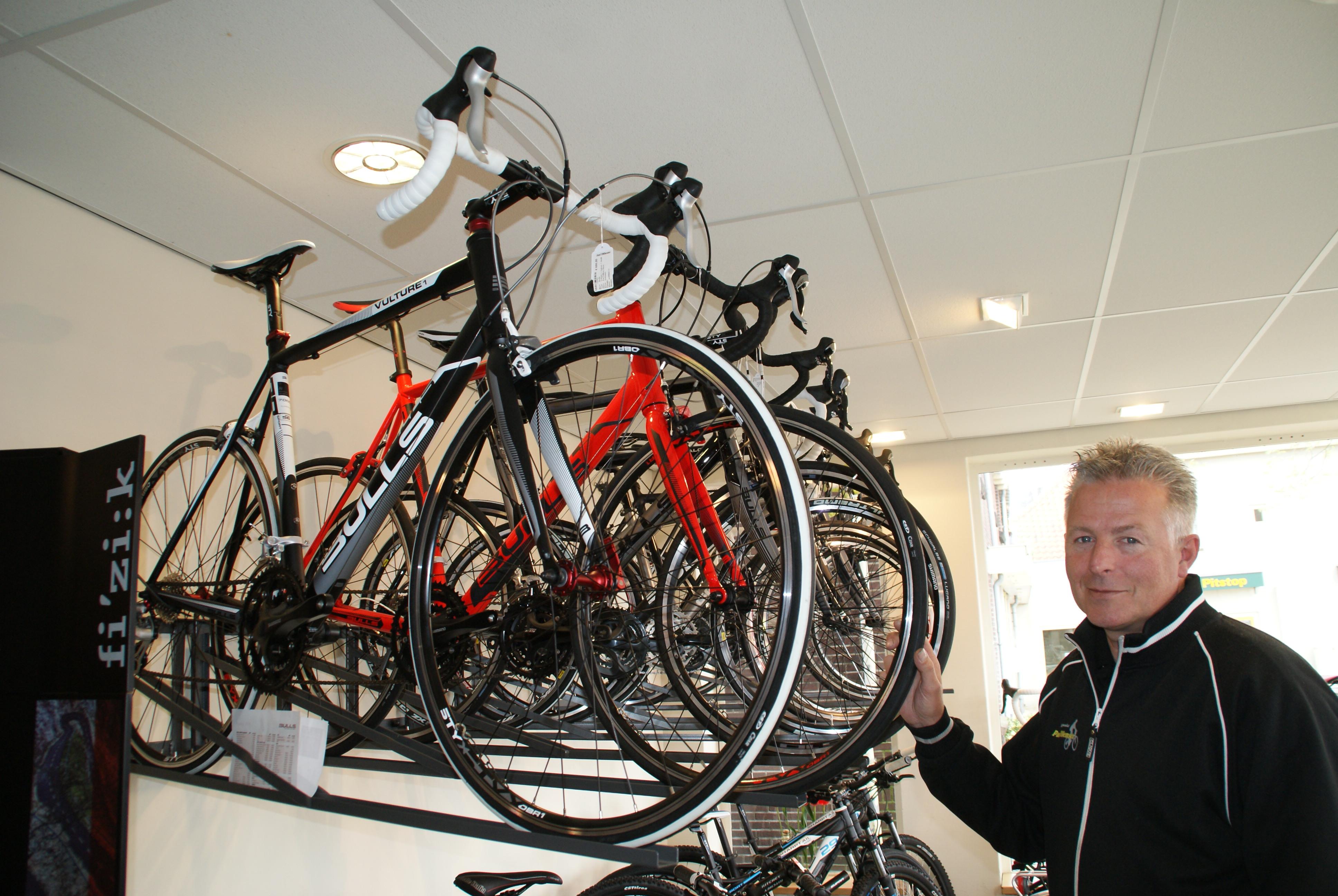 Paul Willemsen Rijwielspecialist Is Ook Thuis In Racefietsen Delft