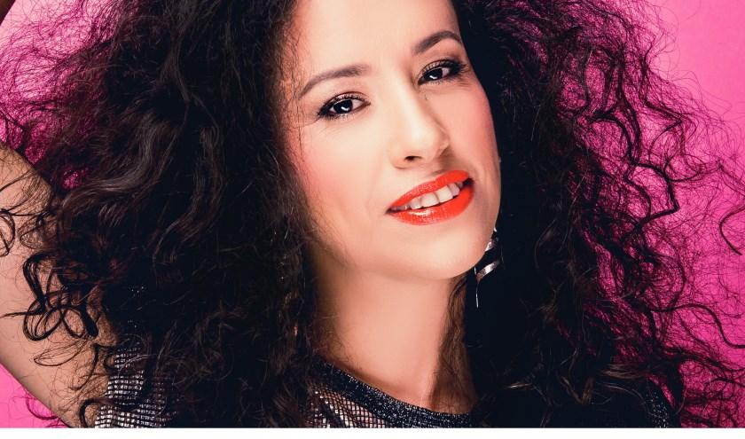 De Argentijnse zangeres La Yegros treedt 8 augustus op in het Heldenpark in Eeklo. Foto Guilhem Canal