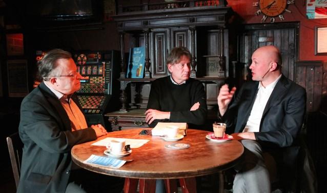 Mat Herben, Rob de Wijk en Boris van der Ham gisteren in café Prins Hendrik.