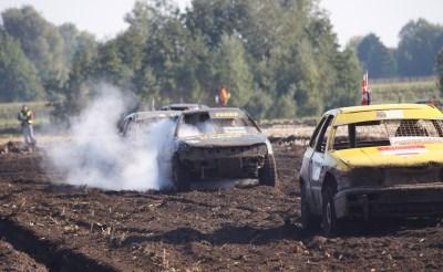 Autocross Lennisheuvel: spektakelstuk met rauw randje...