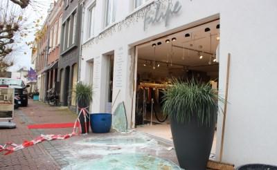Ramkraak bij Filipe Mode aan de Markt