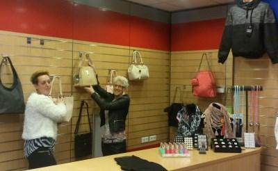 Natasja & Wendy openen modezaak