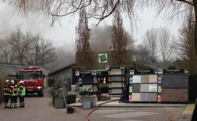 Bedrijfsbrand op Heikant in Esch