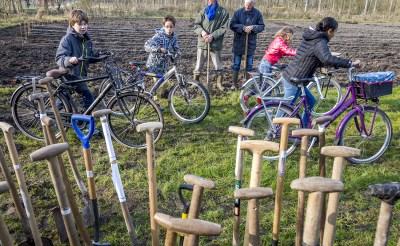 Zonnige Boomfeestdag in Boxtel en Liempde