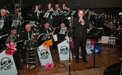 Sfeervol concert big bands in Denziz